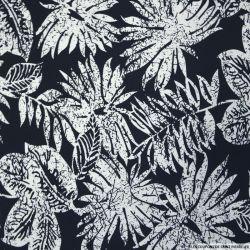 Satin de coton élasthane imprimé feuillage fond marine
