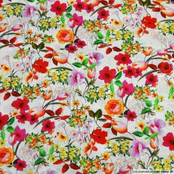 Coton imprimé floraison estivale fond blanc
