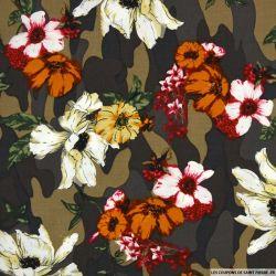 Coton imprimé camouflage et fleurs fond marron