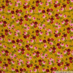 Double gaze imprimé parmi les roses moutarde