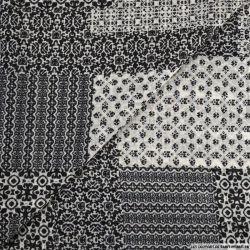 Mousseline polyester presque breton fond écru