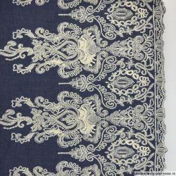 Jean's coton fin brodé écru Versailles festonné bleu foncé