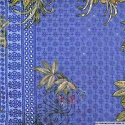Broderie anglaise sequins grandes fleurs fond bleu