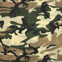 Voile polyester imprimé camouflage beige et vert