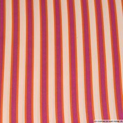 Satin polyester imprimé rayé rose magenta fond chair
