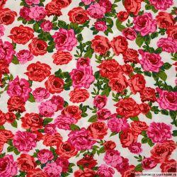 Viscose imprimée histoire de rose fond blanc