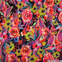Satin polyester imprimé éveil en aquarelle multicolore fond rose