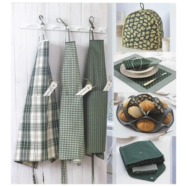 tissu patron mod le n 8125 accessoires pour la cuisine. Black Bedroom Furniture Sets. Home Design Ideas