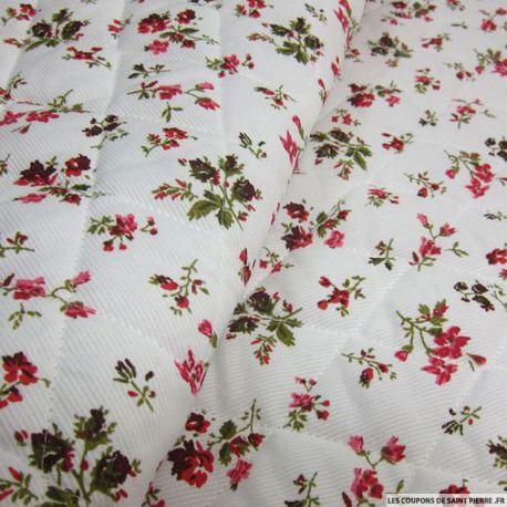 Tissu Piqué de coton matelassé imprimé bouquet de fleurs rouges sur fond blanc au mètre