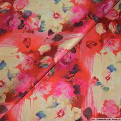 Satin de soie imprimé fleurs sur fond rouge et ocre