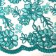 Tulle brodé festonné vert d'eau