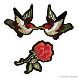 Écusson brodé deux oiseaux et une rose à thermocoller