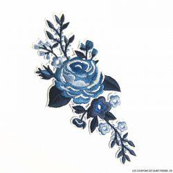Écusson brodé fleurs bleues a thermocoller