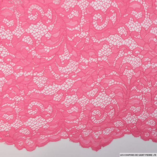 Dentelle festonnée rose