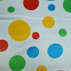 Satin polyester imprimé gros pois fond blanc