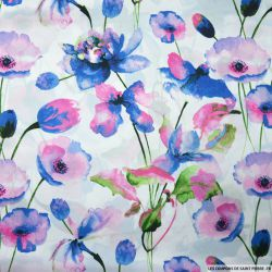 Satin polyester imprimé aquarelle nénuphar rose fond blanc