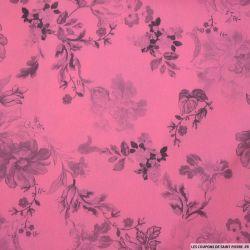 Crêpe satin polyester imprimé fleurs fond fuchsia