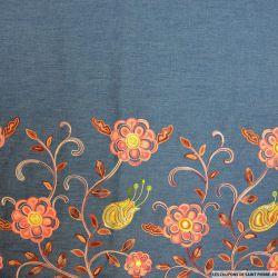 Jean's coton fin brodé camélia rose