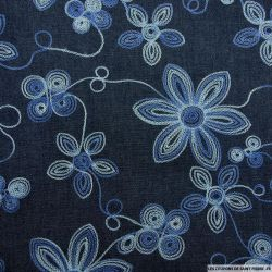Jean's foncé coton fin brodé fleurs bleues