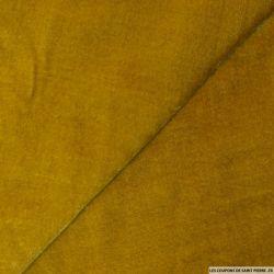 Velours de soie ocre