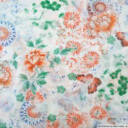 Voile de coton imprimé fleurs et papillons sur fond blanc