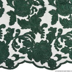 Tulle dentelle brodé festonnée vert fond noir
