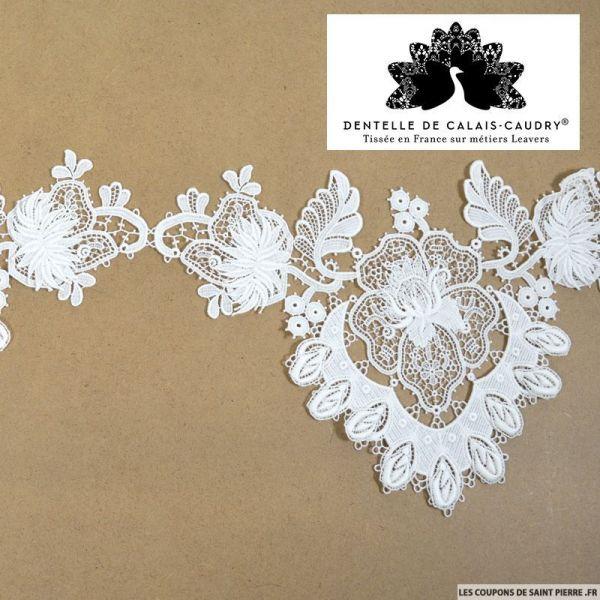 Ruban de guipure de calais® large blanc cassé fleurs 3D au mètre
