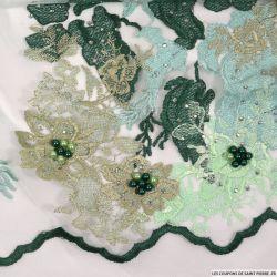 Tulle festonné brodé et perlé fantaisie vert d'eau