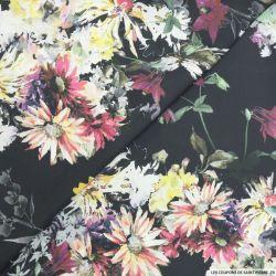 Satin polyester imprimé fleurs aquarelle fond noir