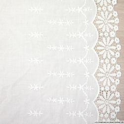 Voile de coton blanc brodé dentelle festonnée