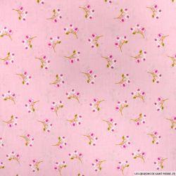 Coton imprimé fleurs sauvages fond rose