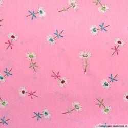 Coton imprimé marguerite des près fond rose
