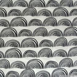 Coton imprimé dessin demi cercle fond blanc
