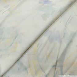 Satin de soie imrpimé dessin fond ivoire