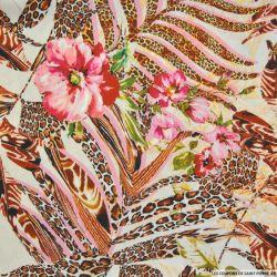 Crêpe imprimé sauvage fleurs roses