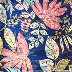 Tissu Dévoré rayé lurex imprimé grandes fleurs roses et feuilles vertes
