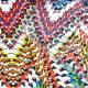 Microfibre imprimée fleurs fantaisie fond rouge