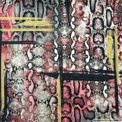 Satin polyester imprimé serpent destructuré rouge