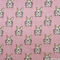 Coton imprimé lapin à lunettes fond rose dragée