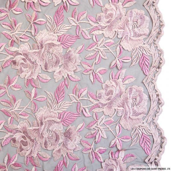 Tulle noir brodé fleurs rose parme festonné