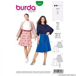Patron Burda n°6247 : Jupe avec des plis – forme évasée