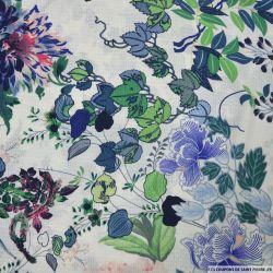 Crêpe polyester imprimé botanique vert et bleu fond écru