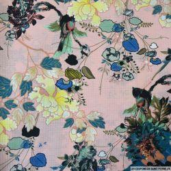 Crêpe polyester imprimé fleurs fond bleu