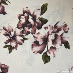 Crêpe polyester imprimé fleurs vieux roses fond crème