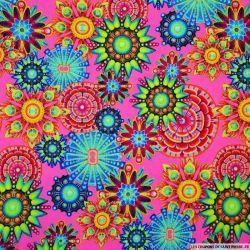 Viscose imprimée hippie fluo fond fuchsia