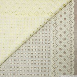 Broderie anglaise cyclope jaune pâle