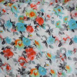 Satin polyester imprimé aquarelle roseraie fond blanc
