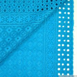 Broderie anglaise cible azur clair