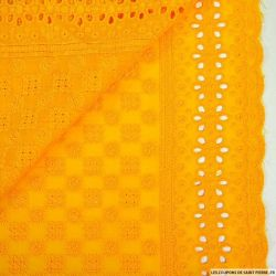 Broderie anglaise damier jaune safran