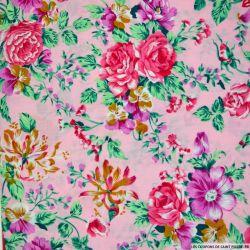 Coton imprimé bouquet fleuris fond rose